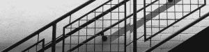 Photo d'un escalier avec rampe